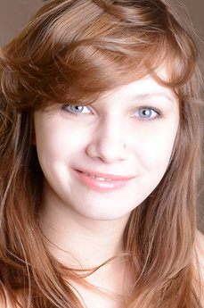Lara E